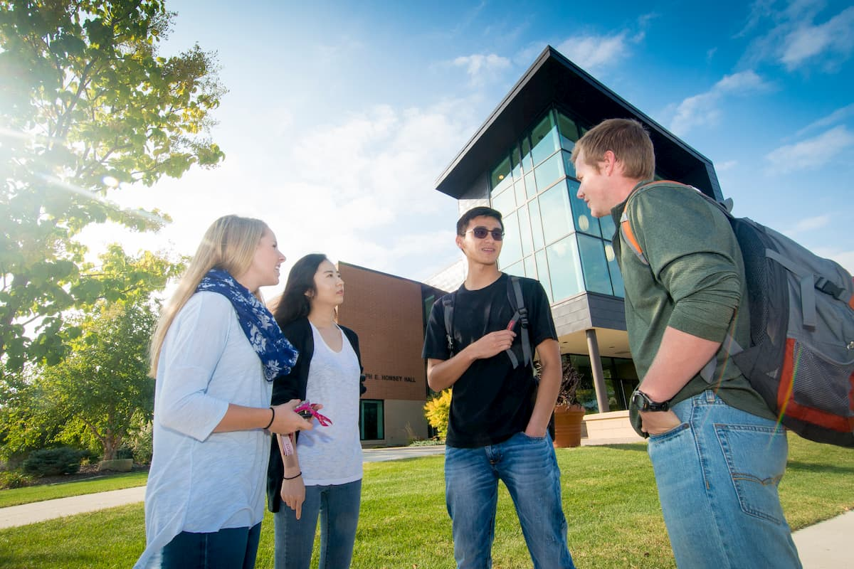 Study medicine, business, computer science, engineering, and more in the USA